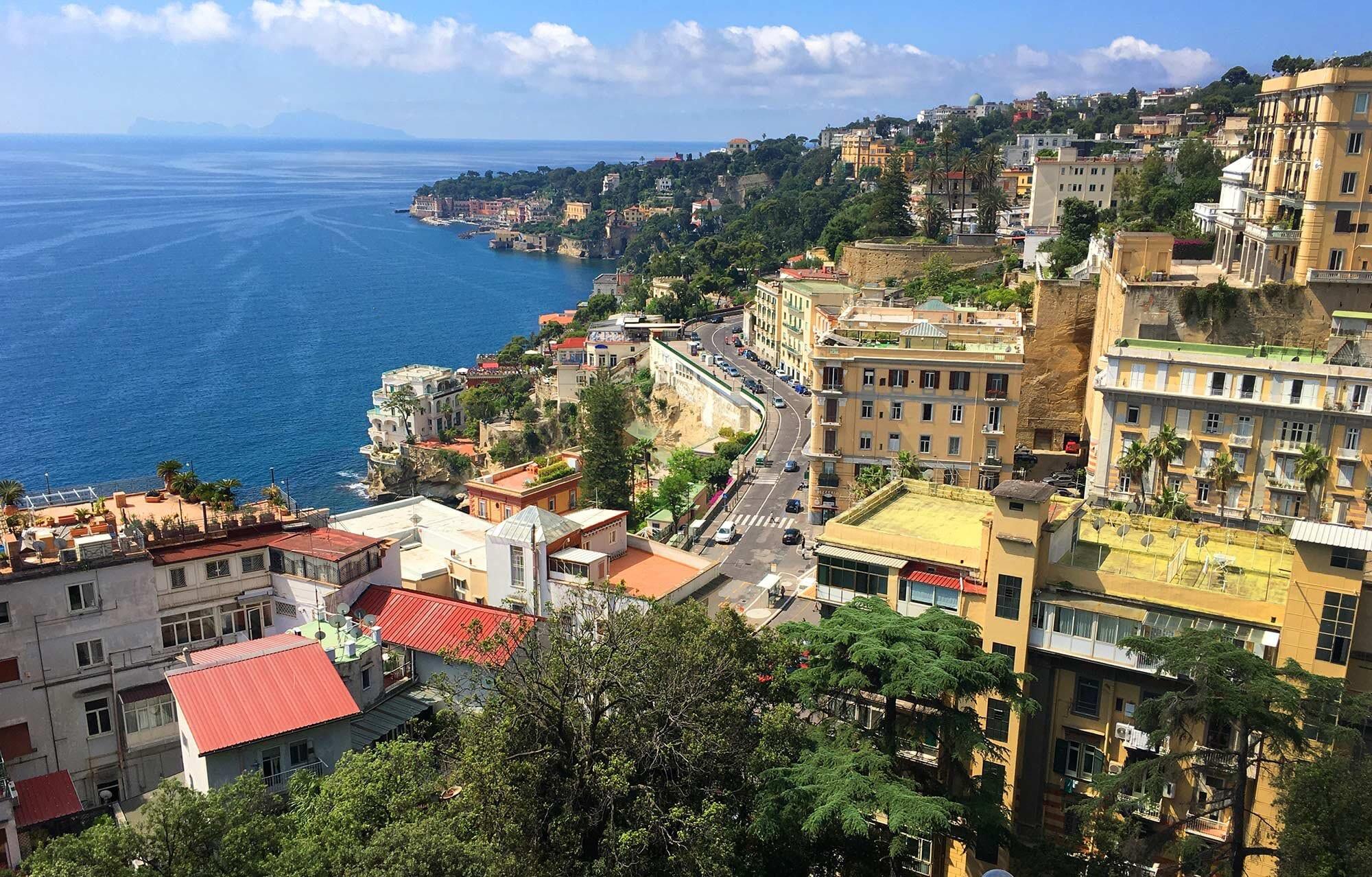 Путешествие на Везувий, первая глава: Неаполь
