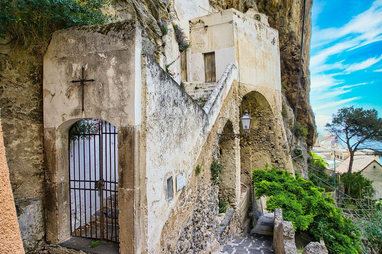 Chiesa-st-Michele-Atrani-1.jpg
