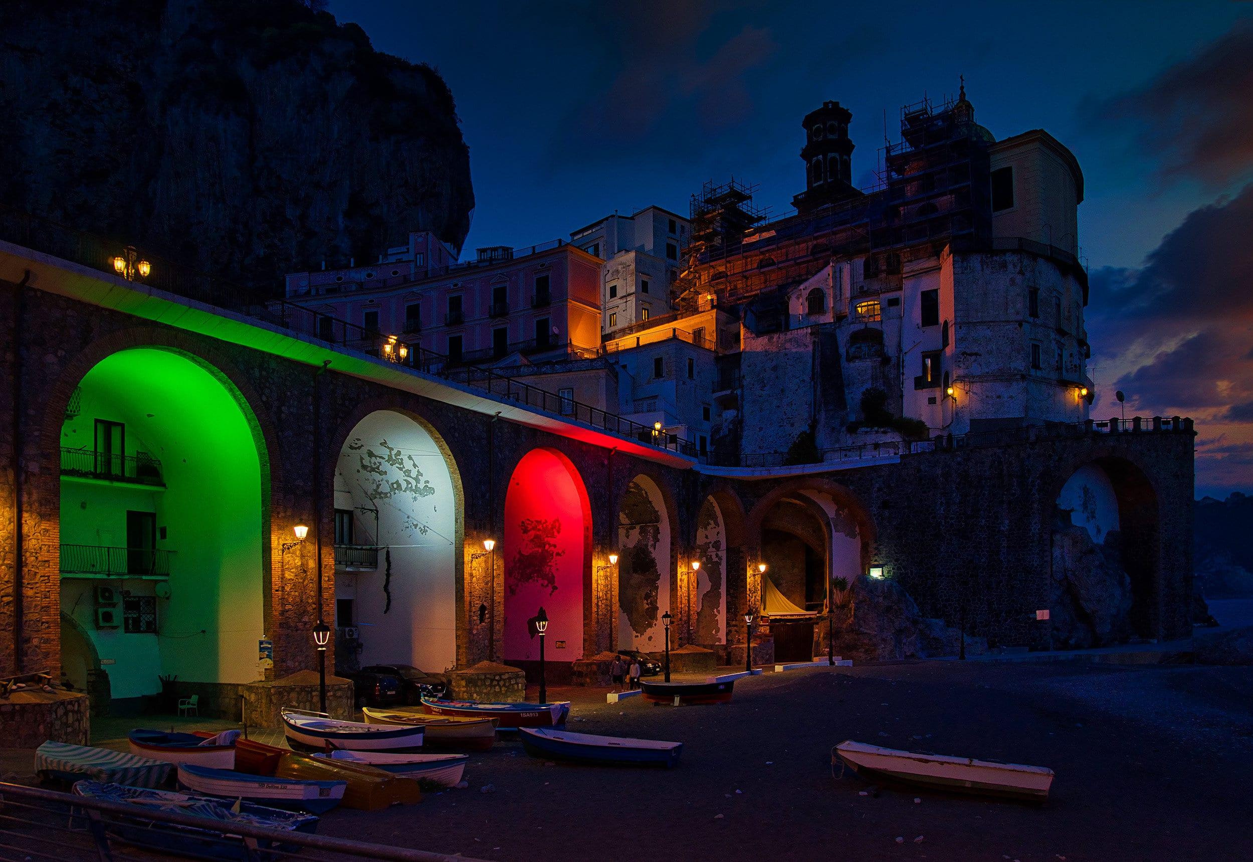 Флаг Италии в Атрани на побережье Амальфи