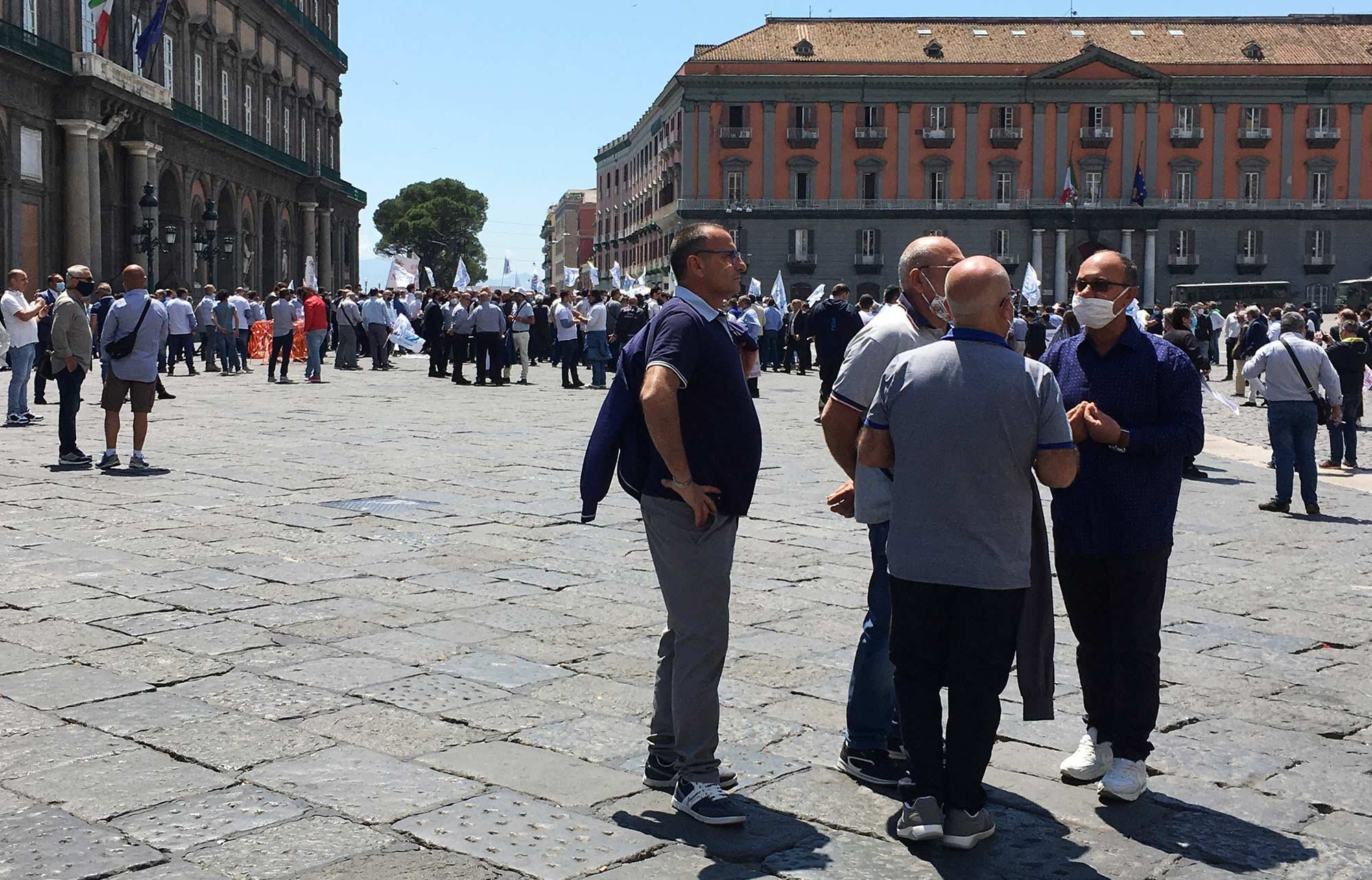 piazza-plebeschito-riot-or-somthn.jpg